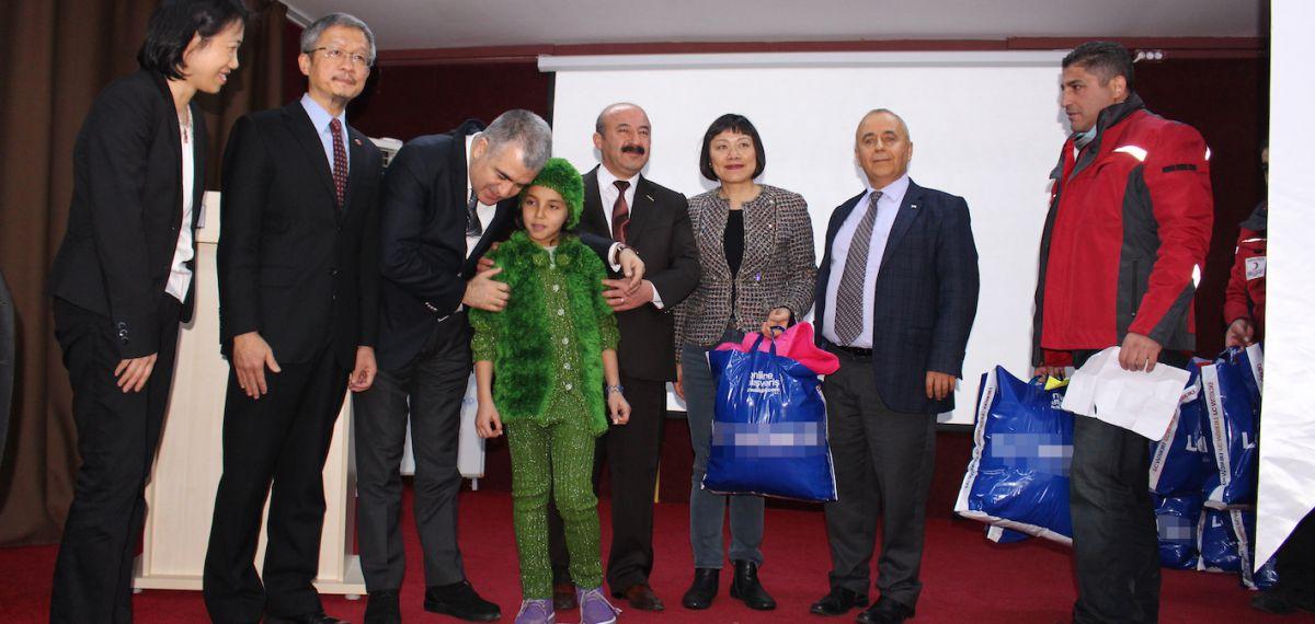 Tayvanlılar ve MHGF üyesi derneklerden Suriyelilere insani yardım